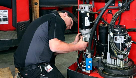 Forklift Service Program | Carolina Handling | Raymond