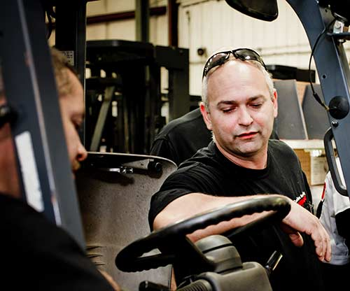 Forklift Technician Training | Lift Trucks | Carolina Handling