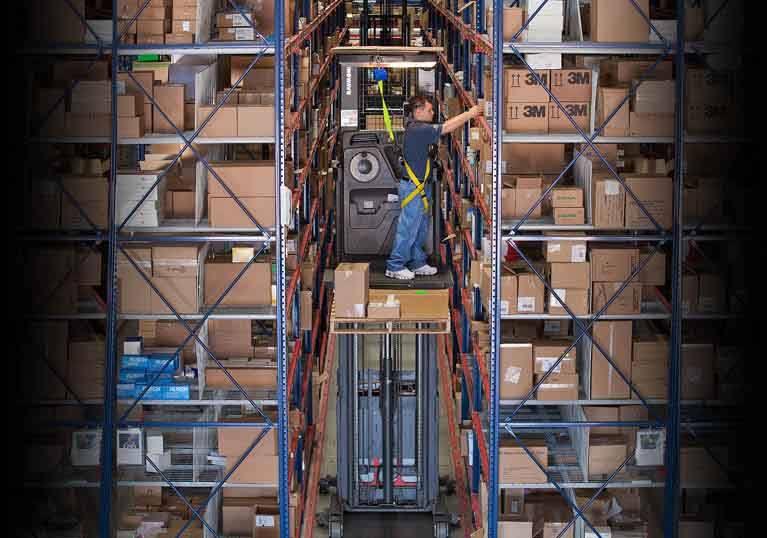 Raymond 5200 Orderpicker Truck Smooth Operation